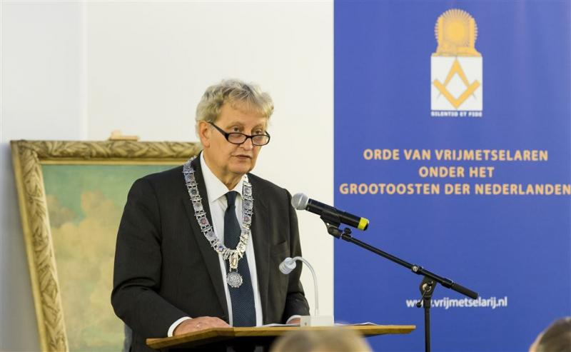 Van der Laan wil langer burgemeester blijven