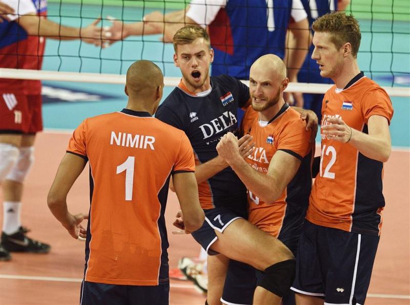 Volleyballers openen EK met zege
