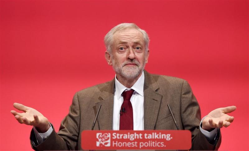 Labourleider spoorloos om eed aan koningin