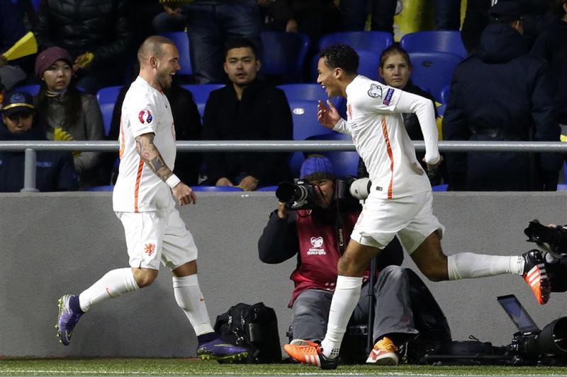 Oranje wint met 2-1 bij Kazachstan