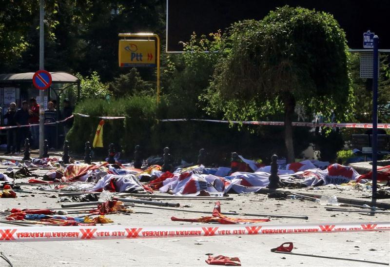 Dodental zelfmoordaanslagen Ankara op 97