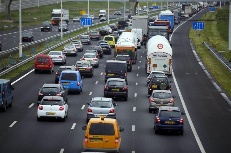A67 dicht na ongeluk met vrachtwagens