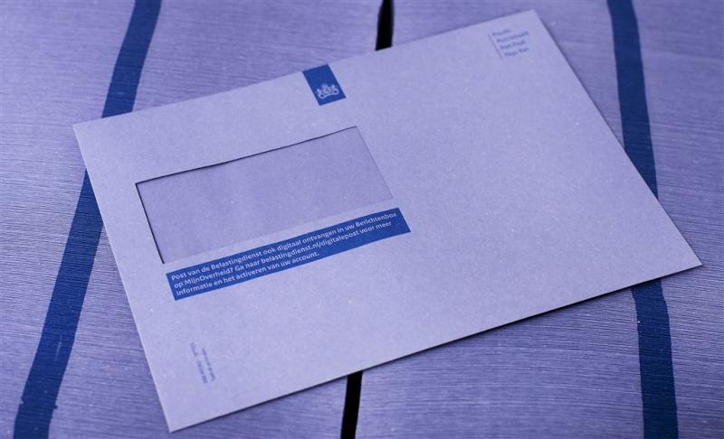 Blauwe envelop na honderd jaar met pensioen