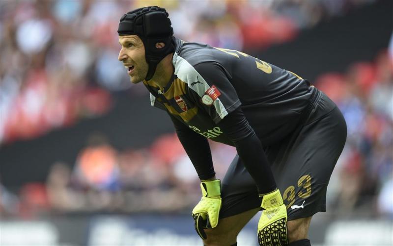 Cech weer onder de lat bij Tsjechië