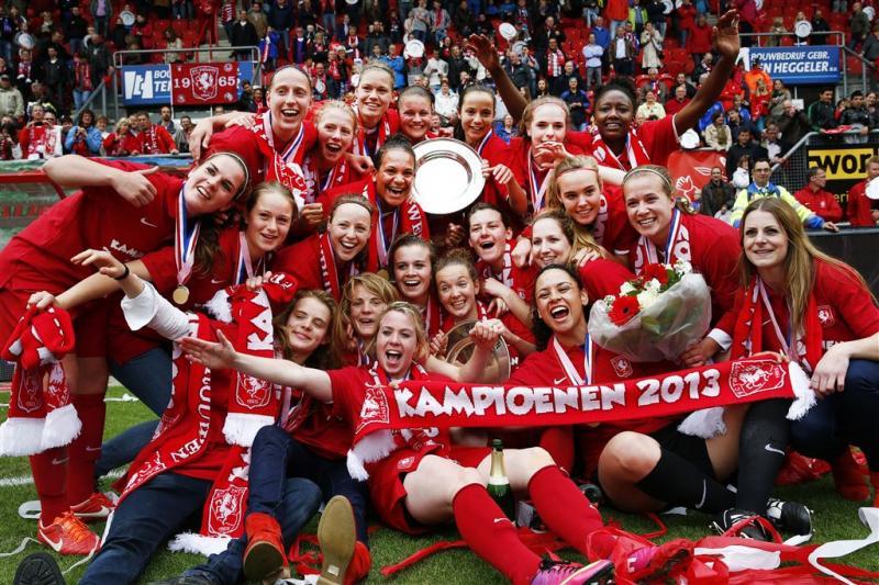 Vrouwen FC Twente tegen FC Barcelona