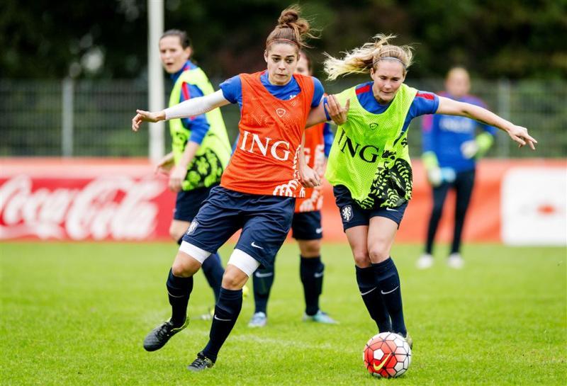 OS-strijd voetbalsters begint in Den Haag