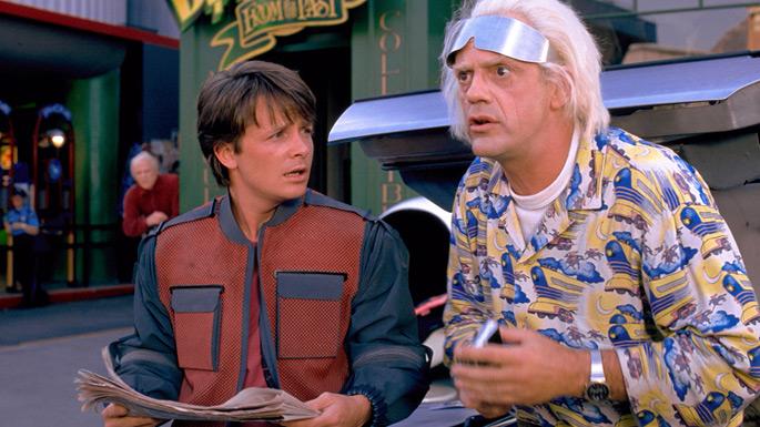 Fox en Lloyd in hun futuristische outfit