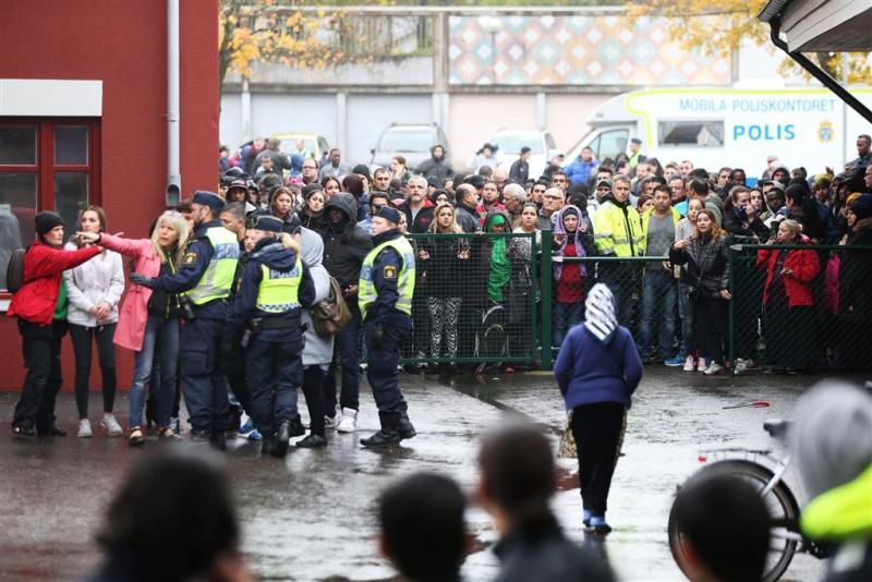 Man met zwaard valt Zweedse scholieren aan