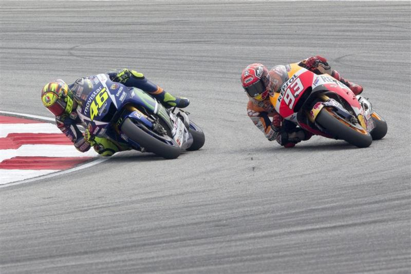 Rossi is 'vieze spelletjes' Márquez beu