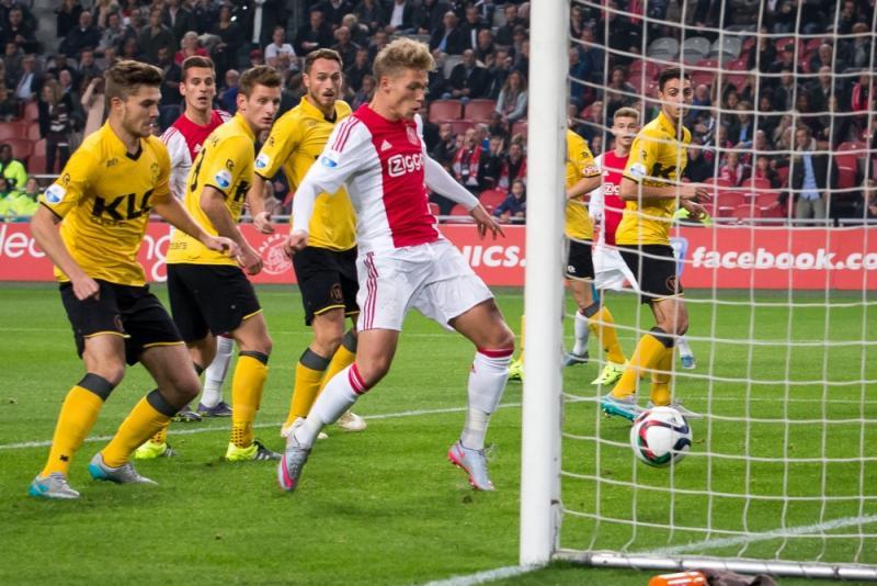 Ajax haalt uit tegen Roda JC (Pro Shots/Erwin Spek)