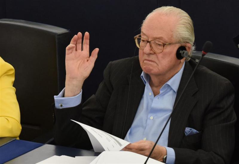 Inval bij Le Pen om belastingfraude