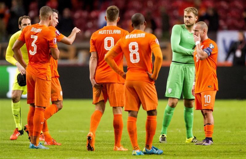 Oranje zakt verder weg op ranglijst