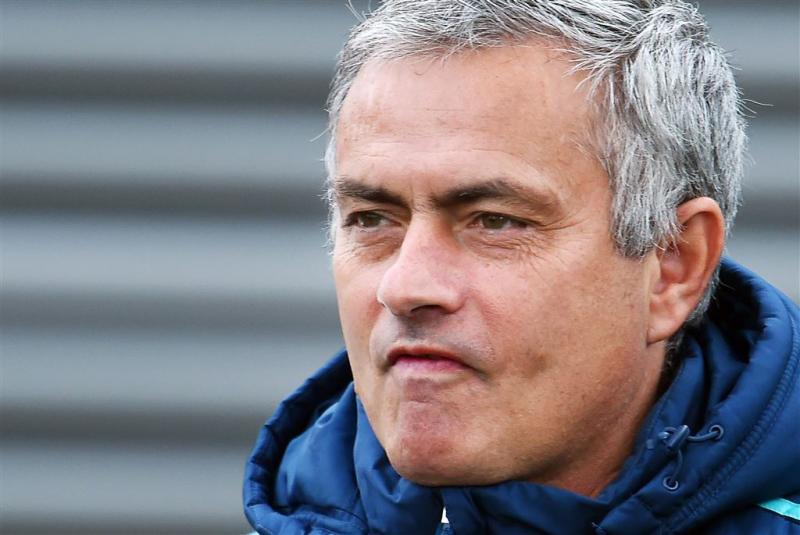 Mourinho geroerd door staande ovatie