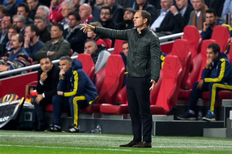 De Boer kritisch op Ajax