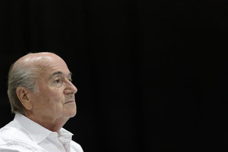 Blatter moet rust houden van artsen