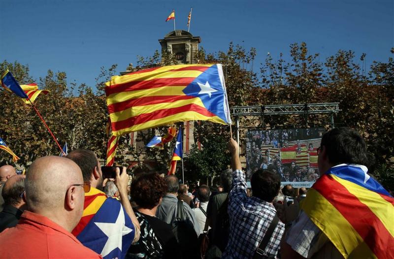 Madrid naar hof over afscheiding Catalonië