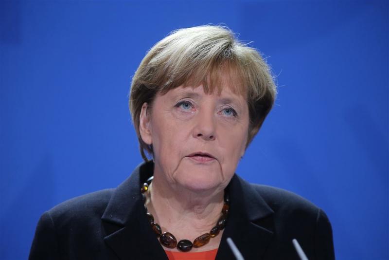 Merkel verdedigt vluchtelingenbeleid