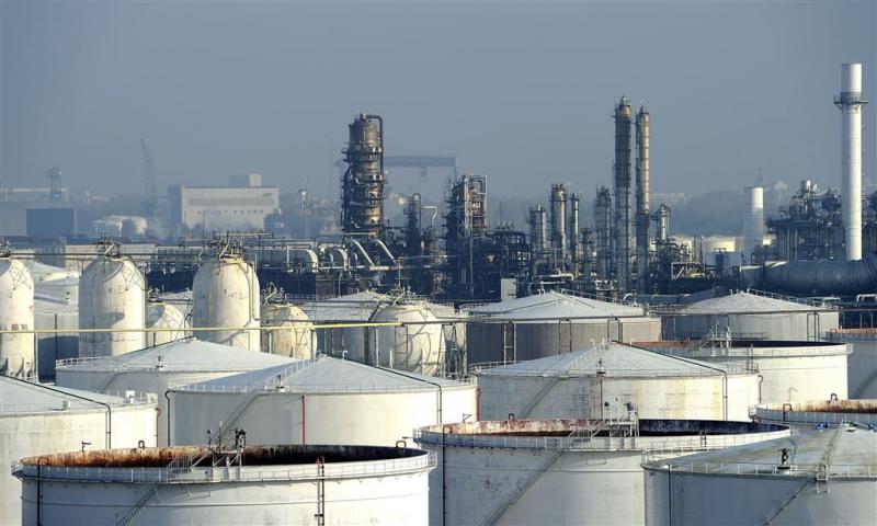 Olievoorraad stijgt naar recordniveau