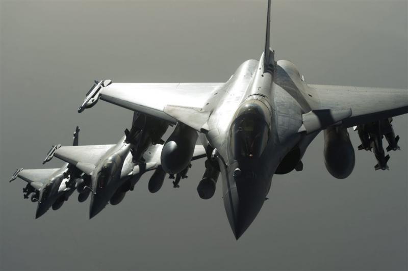 Fransen bombarderen 'hoofdstad' IS in Syrië