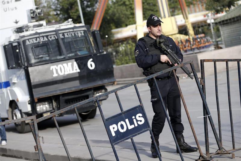 Turken houden zeven IS-strijders aan