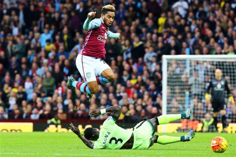 Zware knieblessure verdediger Aston Villa
