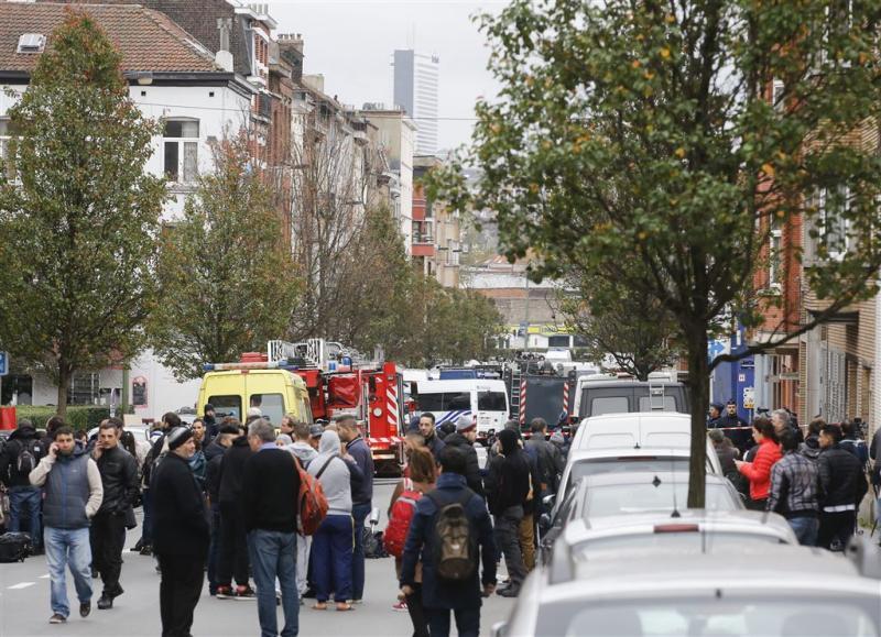 Knallen klinken bij politieactie Molenbeek