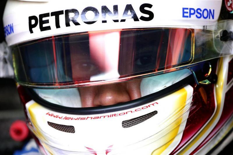 Mercedes floot Hamilton terug