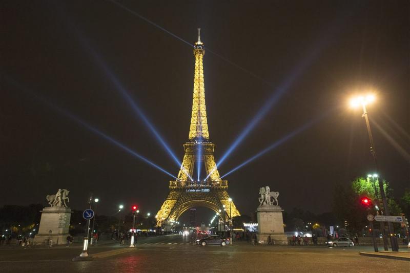 Eiffeltoren weer geopend