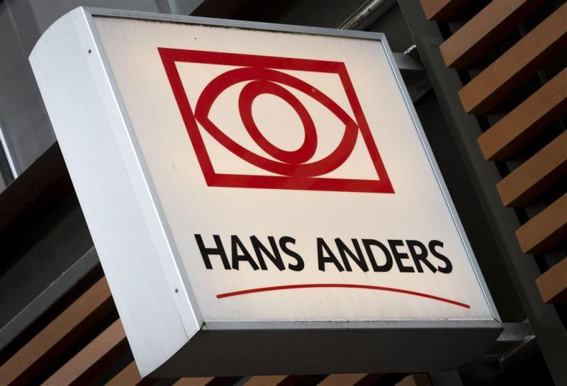 Brillenketen Hans Anders in de etalage