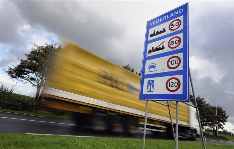 Kabinet kijkt naar 'mini-Schengen'