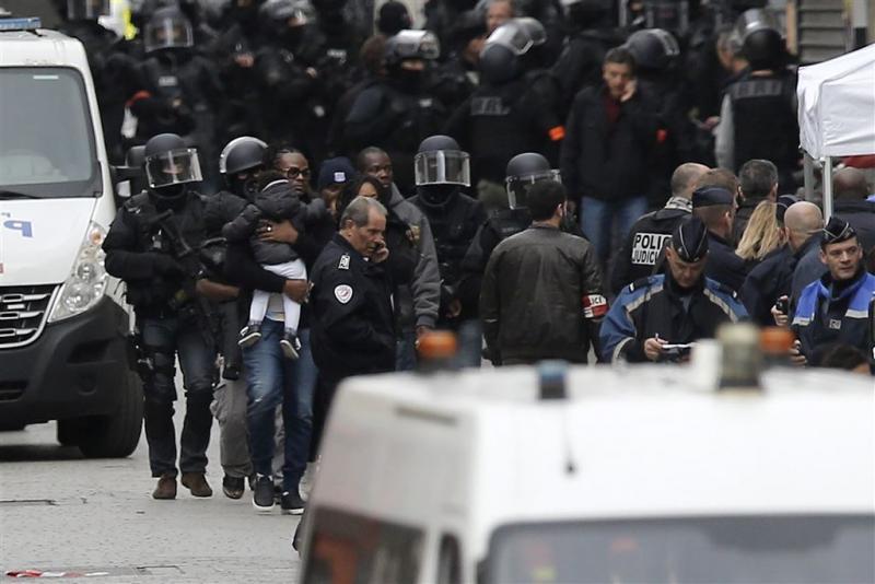 Justitie Parijs bevestigt dood Abaaoud niet