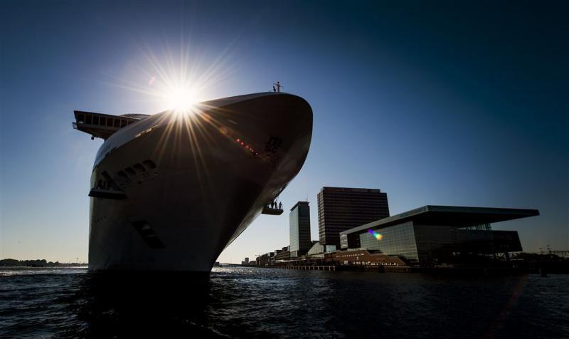 NS verkoopt belang in cruiseterminal