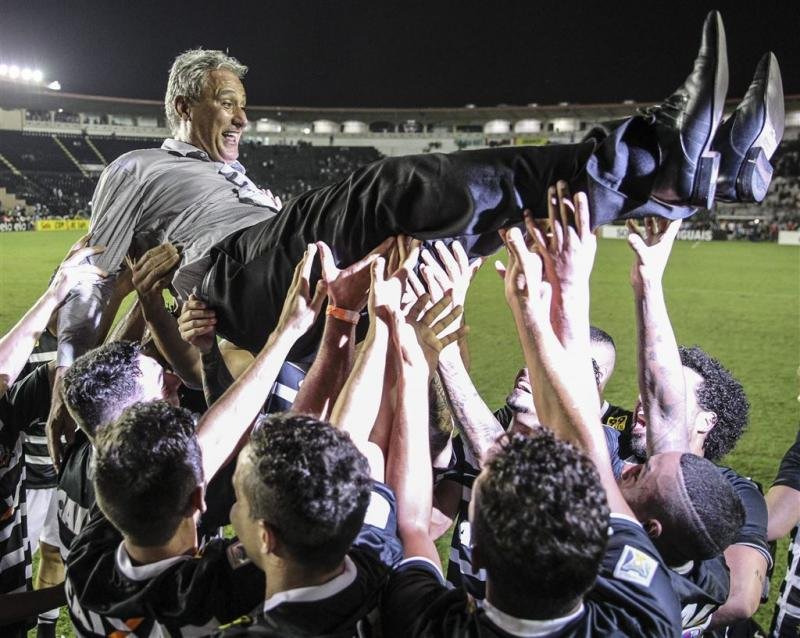 Corinthians verovert Braziliaanse titel