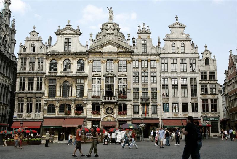 Politie ontruimt Grote Markt in Brussel