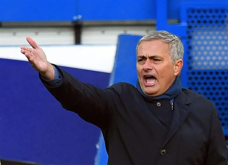 Chelsea duikt weer in de rode cijfers