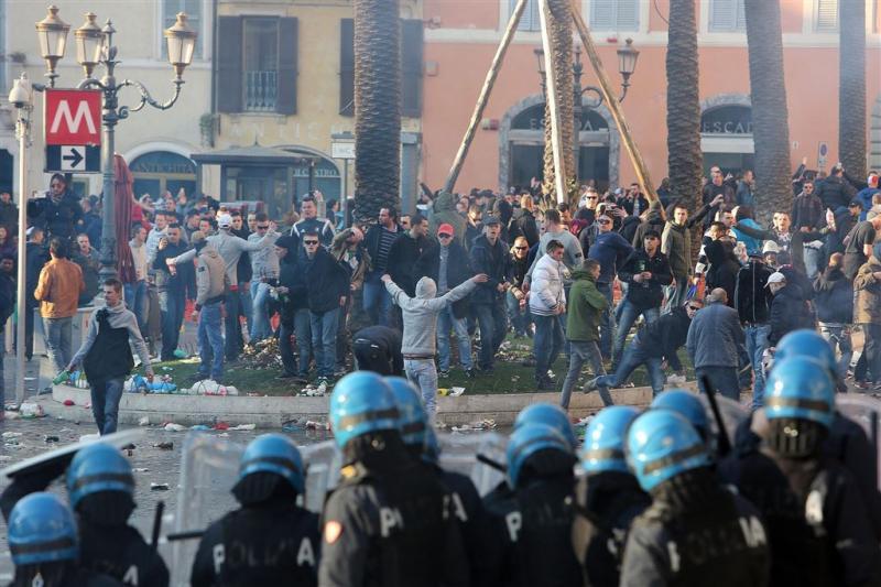 Straf geëist voor Rome-relschoppers Feyenoord