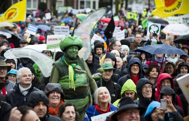 Duizenden lopen in Amsterdam voor het klimaat
