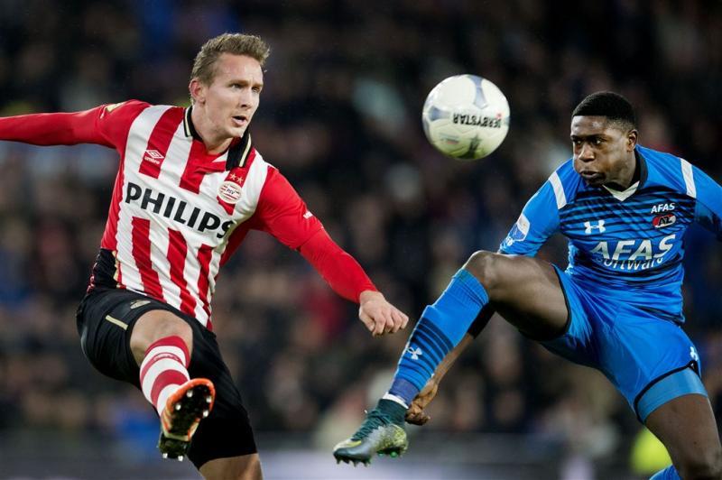 PSV heerst tegen AZ