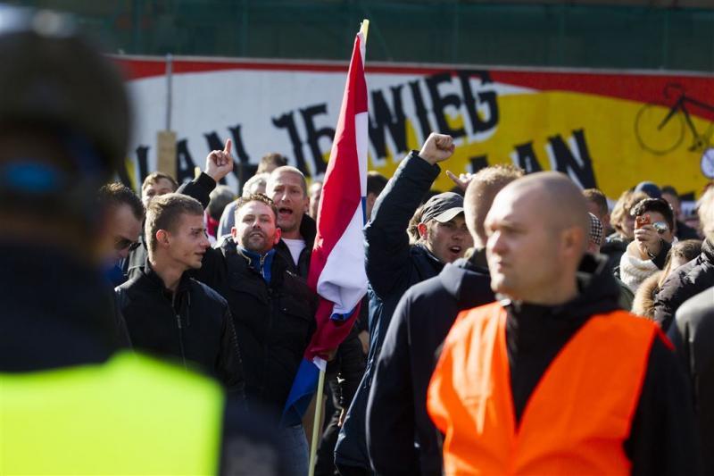 Veel politie bij Pegida-betoging Rotterdam