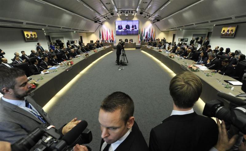 'OPEC houdt oliekraan wijd open'