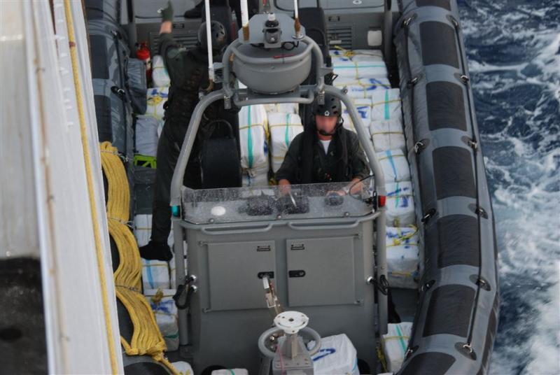 'Cokevangst van het jaar door marineschip'