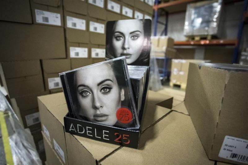 Adele blijft meeste albums verkopen