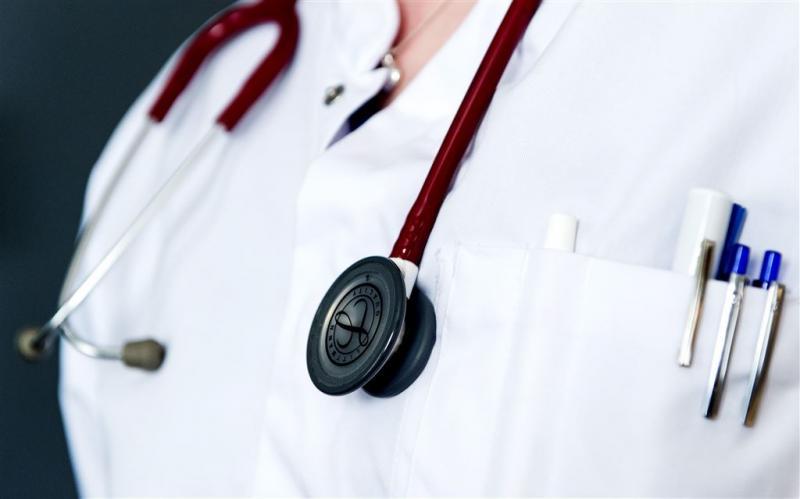 Bijna helft artsen huilt wel eens op het werk