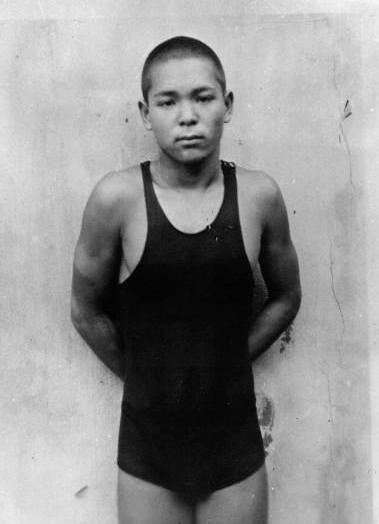 Kuzuo Kitamura, de jongste mannelijke winnaar van individueel olympisch goud ooit (WikiCommons/Capsot)