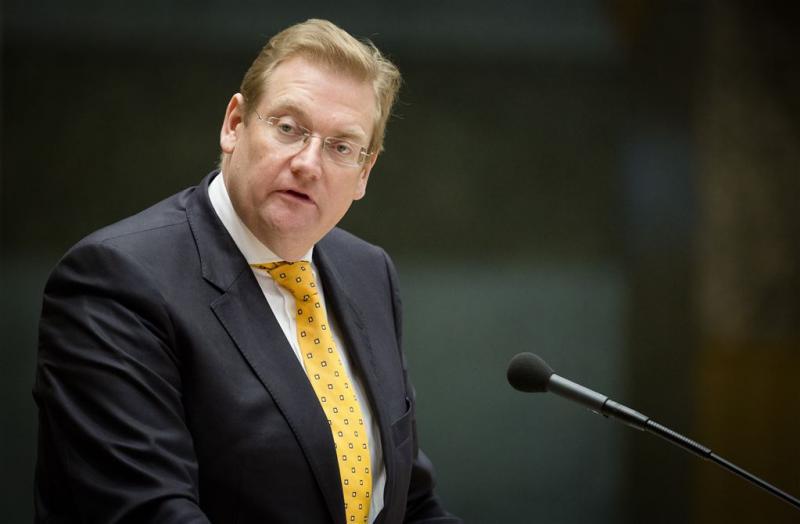 Van der Steur en Dijkhoff adviseerden in deal