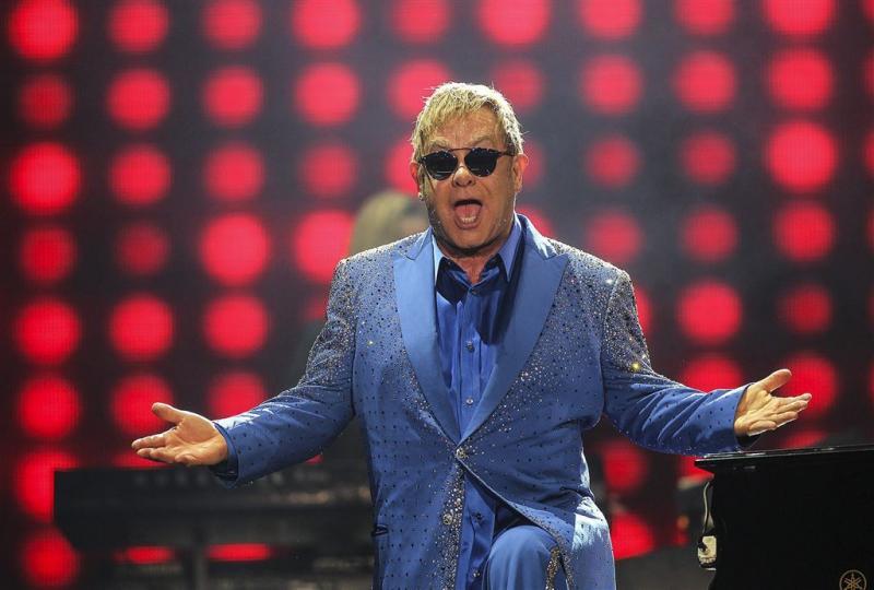Gelukkige Elton John wilde blije plaat maken