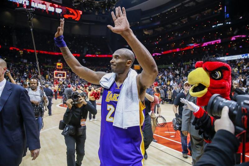 Bryant helpt Lakers voorbij Bucks
