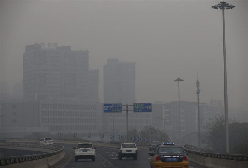 Opnieuw alarmfase rood voor smog in Peking