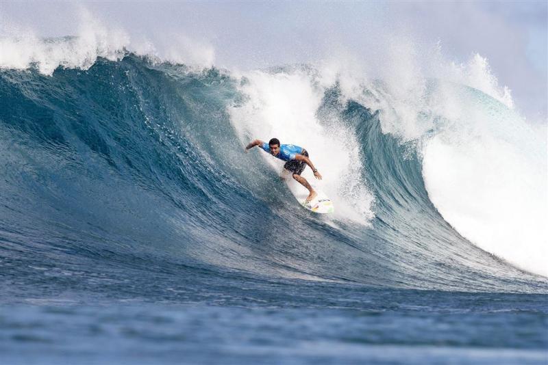 De Souza wint WK golfsurfen