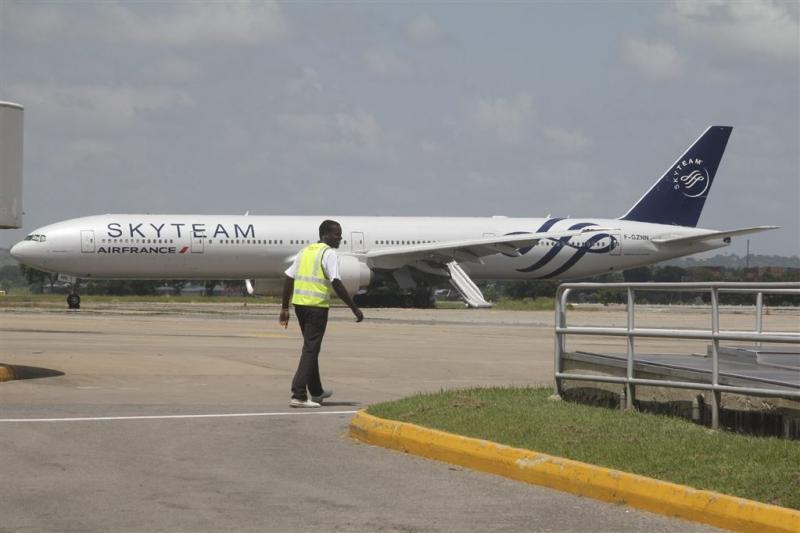 Passagiers vast voor nepbom Frans vliegtuig